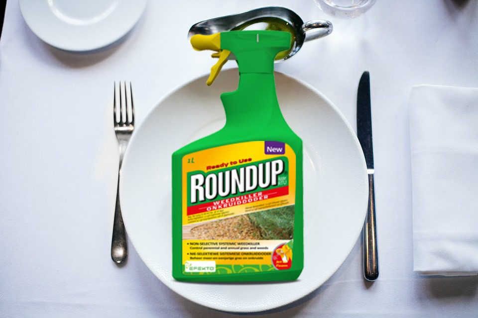 Glyphosate with your salat or antibiotics with your meat?